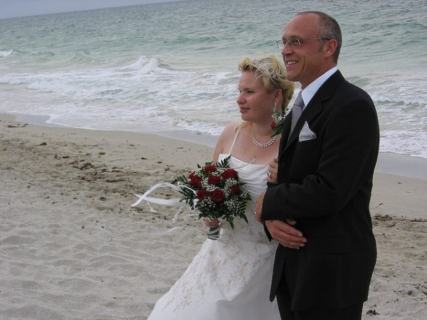 Beach wedding, Cuba mattcatpurple/Flickr